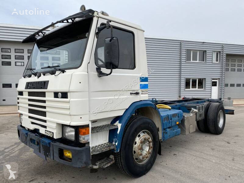 SCANIA 93 chassis truck