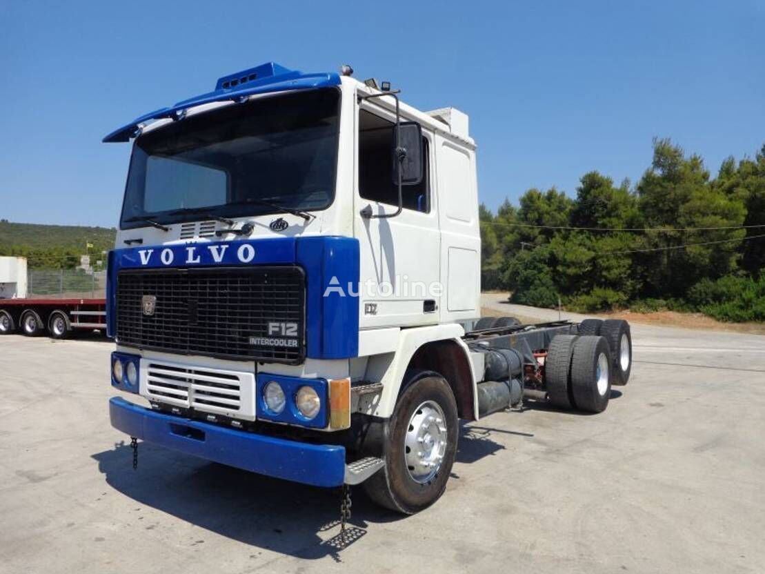 VOLVO F12  chassis truck