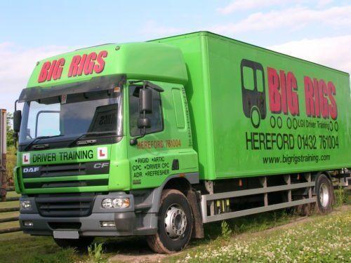 DAF CF 65.250 SPACE CAB closed box truck