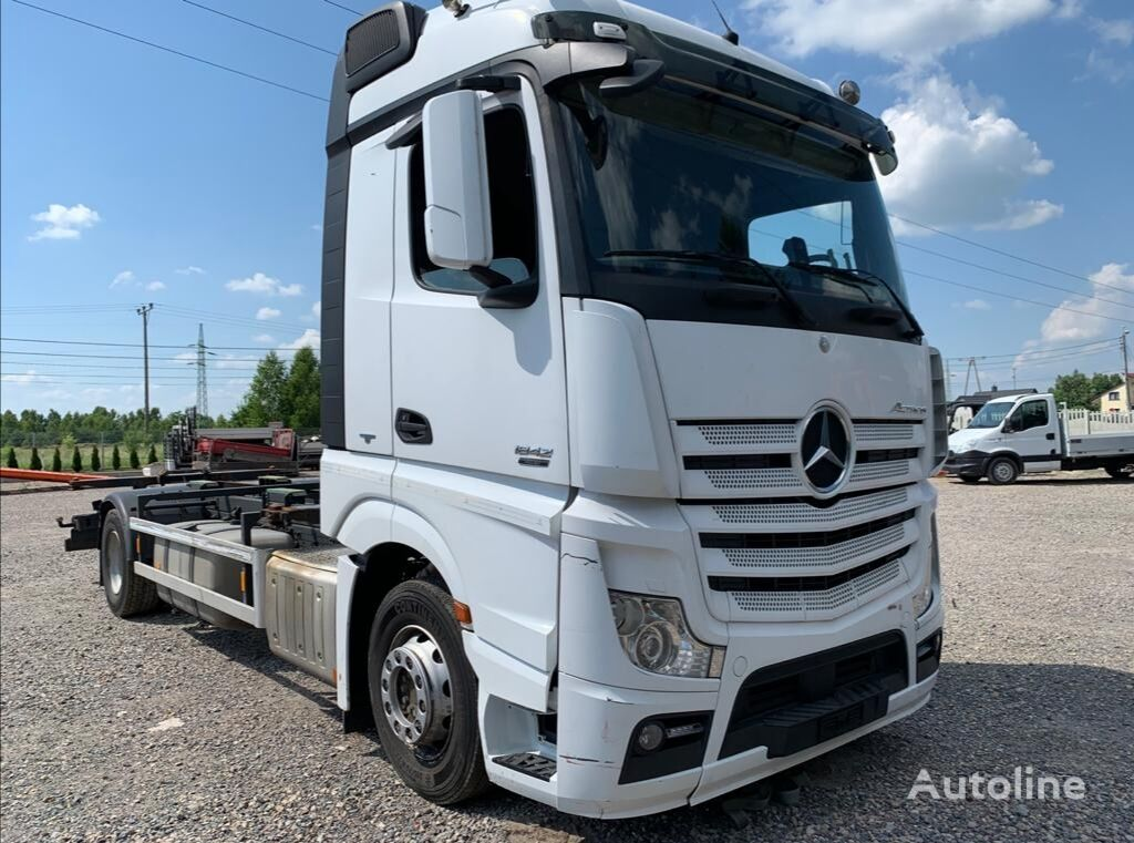 MERCEDES-BENZ Actros 1842 container chassis