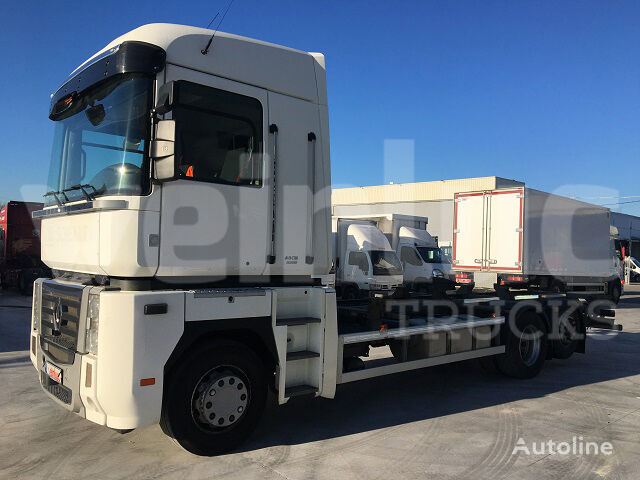 RENAULT MAGNUM 480.26S 6X2 DXI13 container chassis