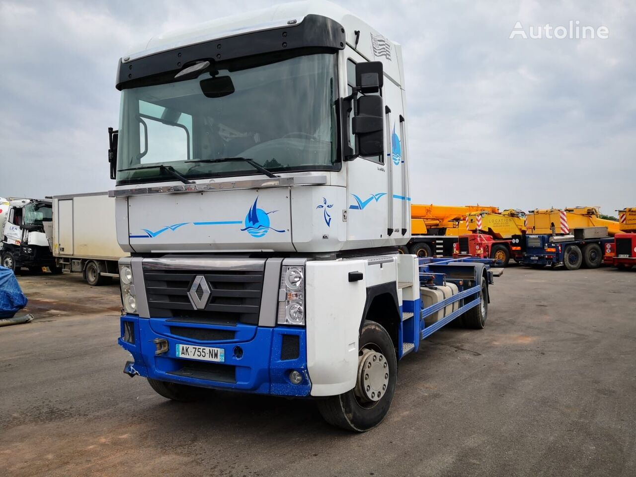 damaged RENAULT MAGNUM 480DXI*ACCIDENTE*DAMAGED*UNFALL* container chassis