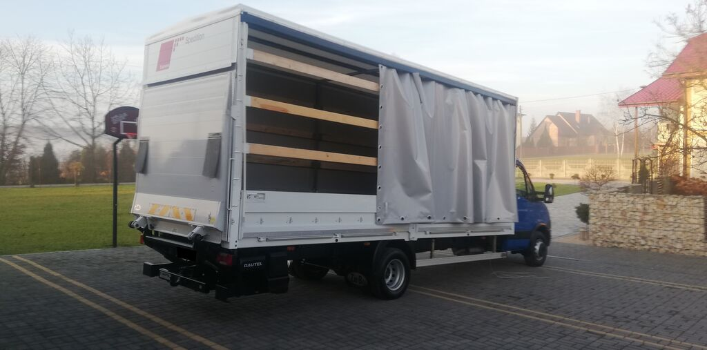 IVECO 70C17 curtainsider truck