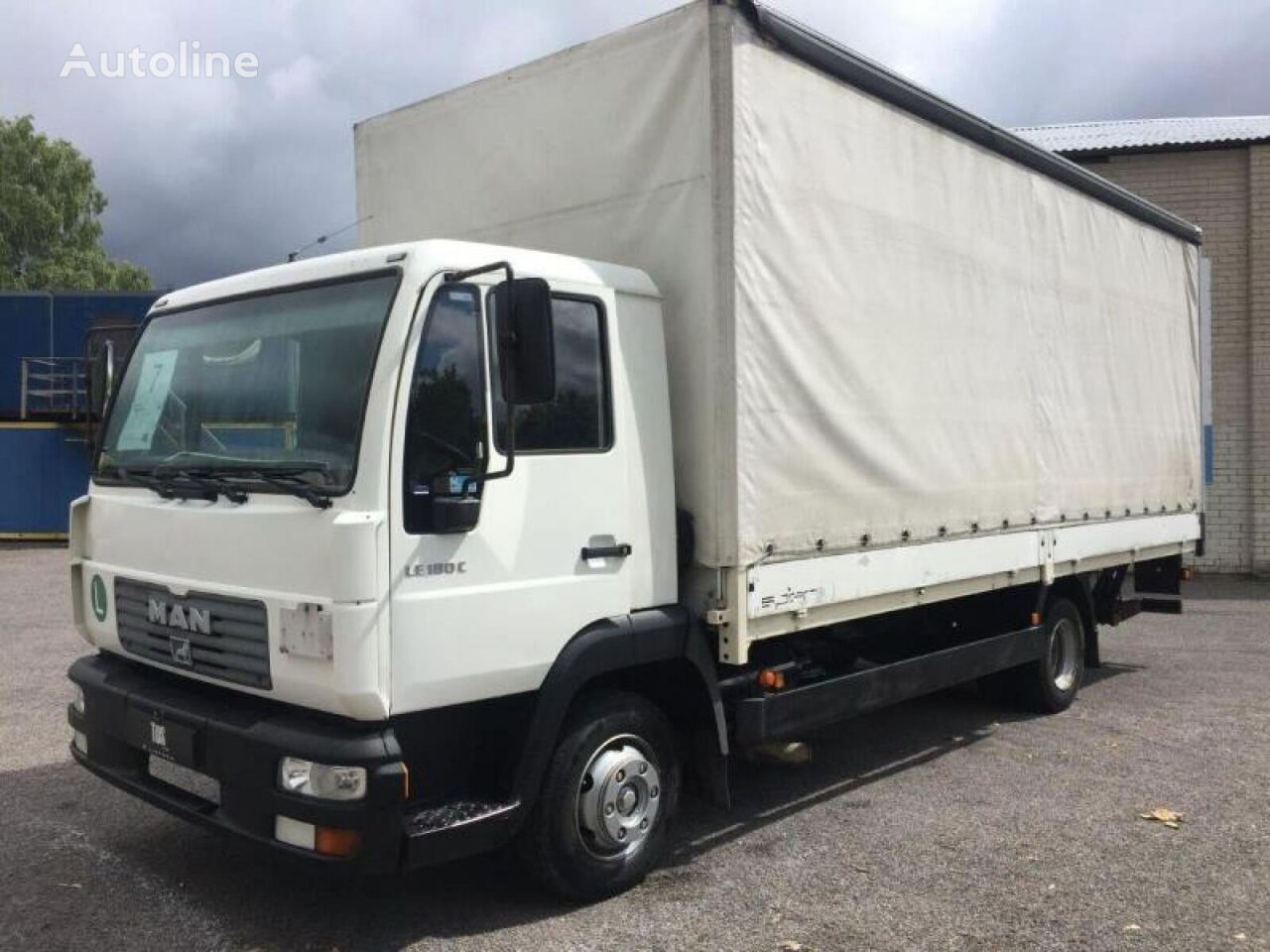 MAN 8.185 curtainsider truck