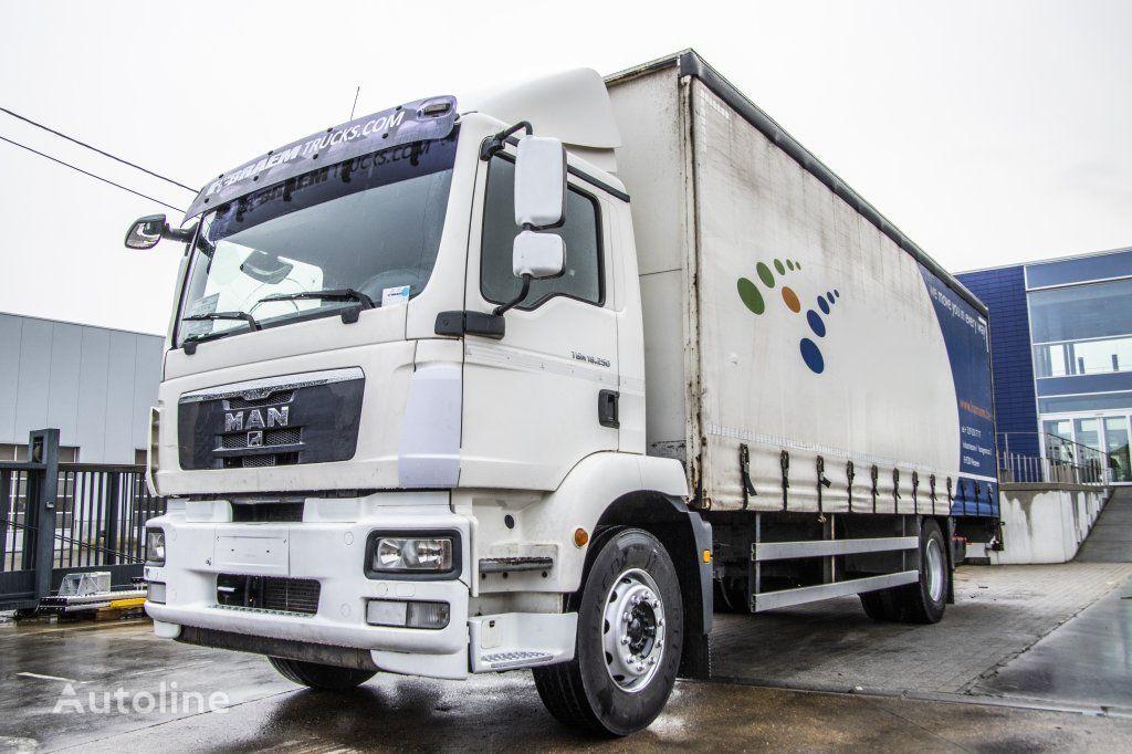 MAN TGM 18.250 BL+ 7.75mx2.44+Dhollandia 2T curtainsider truck