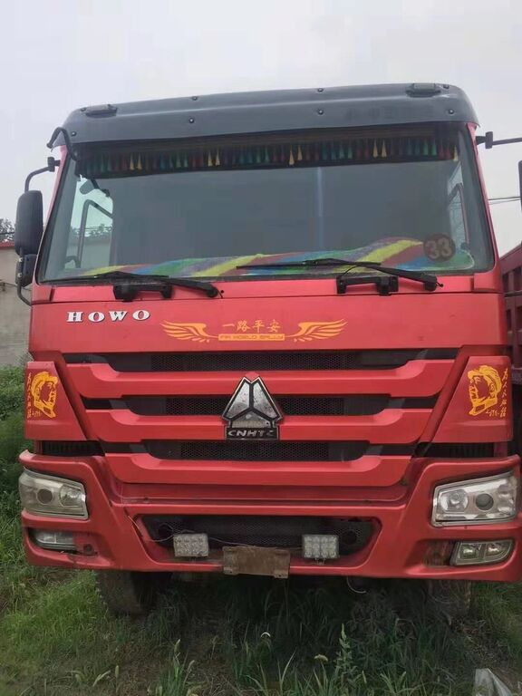 HOWO 375 dump truck