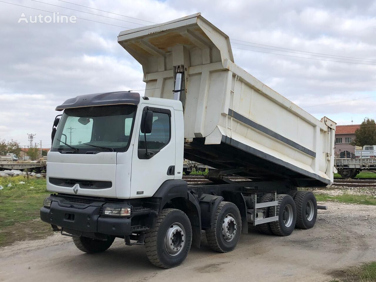 RENAULT Kerax 400 dump truck