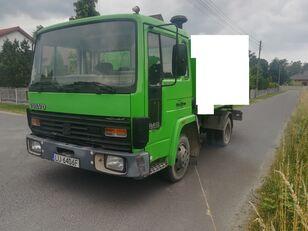 VOLVO FL6 flatbed truck