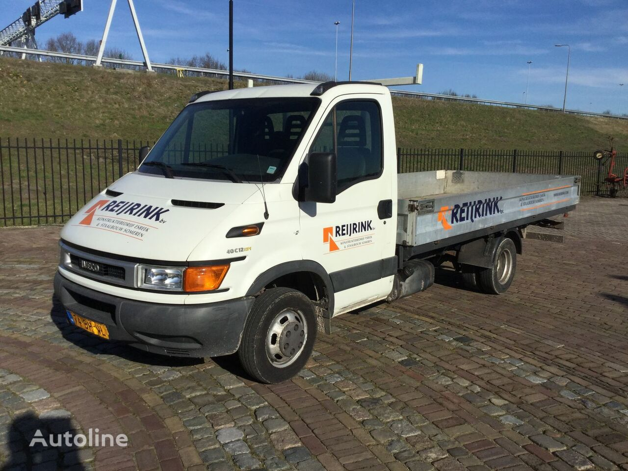 IVECO Daily 40c 12 375 flatbed truck