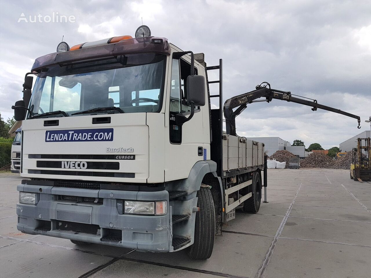 IVECO Eurotech 190E24 / Airco / Full Spring / HIAB 070 ===> 9.2m flatbed truck