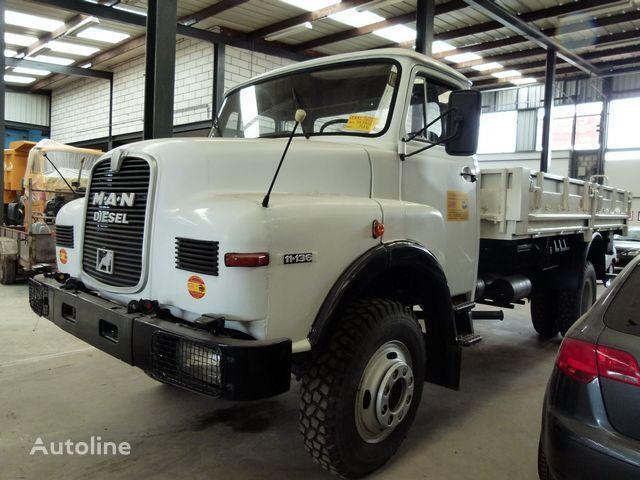MAN 11.136 - 4x4 - CARGO flatbed truck