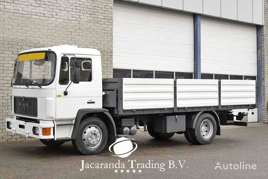 MAN 15.192 flatbed truck