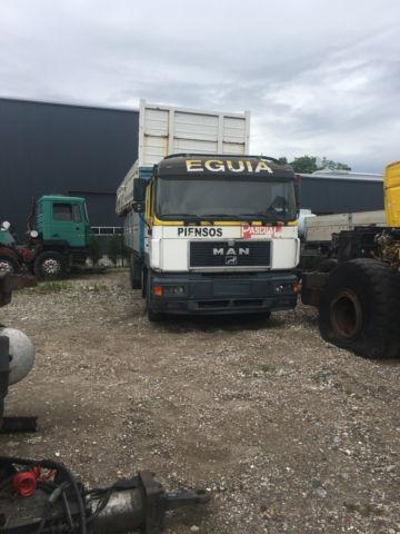 MAN 25 403 flatbed truck
