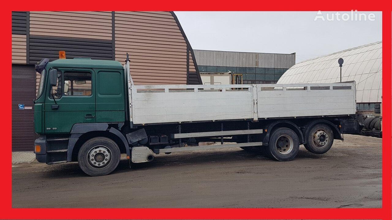 MAN 26.403 flatbed truck