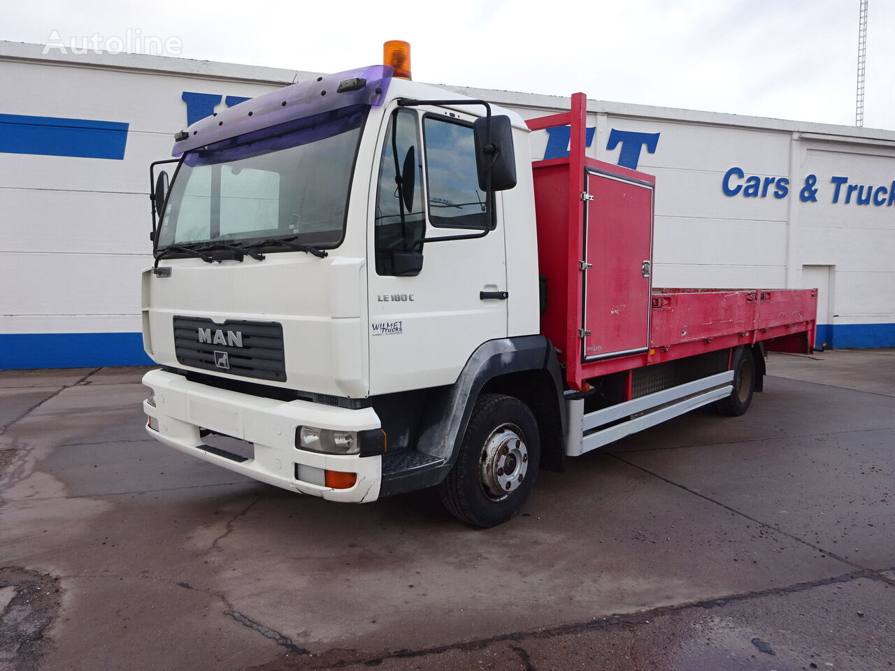 MAN LE 180 C flatbed truck