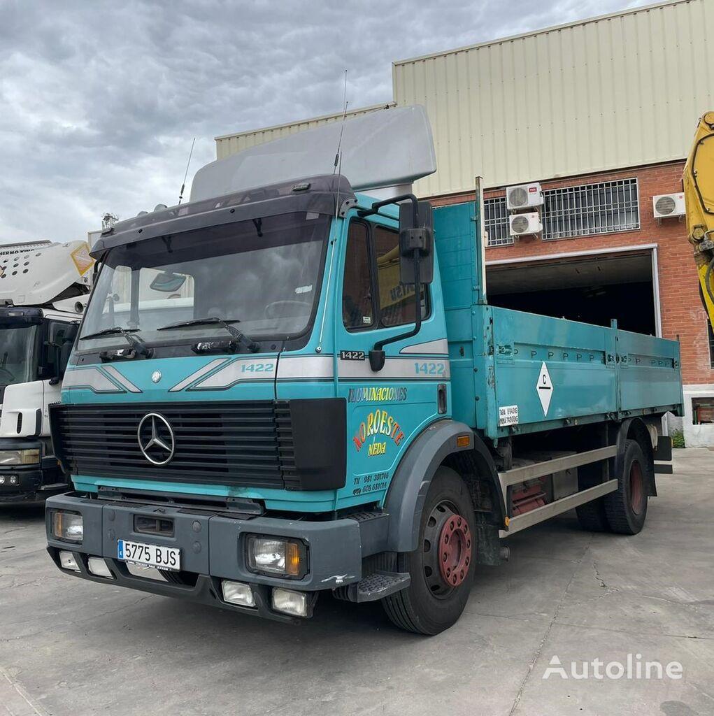 MERCEDES-BENZ 1422 flatbed truck