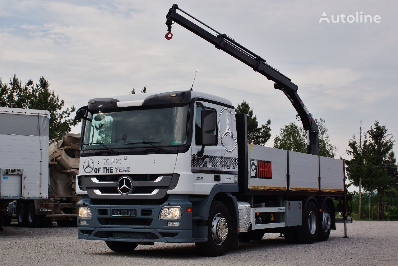 MERCEDES-BENZ ACTROS 2541 MP3 6X2 + CRANE HIAB +RADIO  / 6,9m x 2,5 m * PERFEC flatbed truck