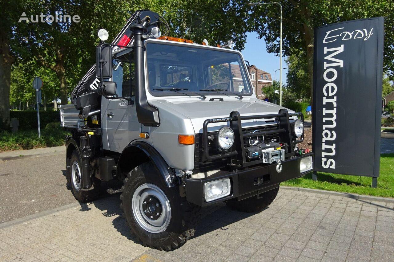 MERCEDES-BENZ Unimog U1200 - 427/10 flatbed truck