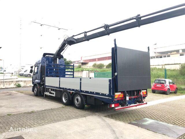 RENAULT Premium 460.26 flatbed truck