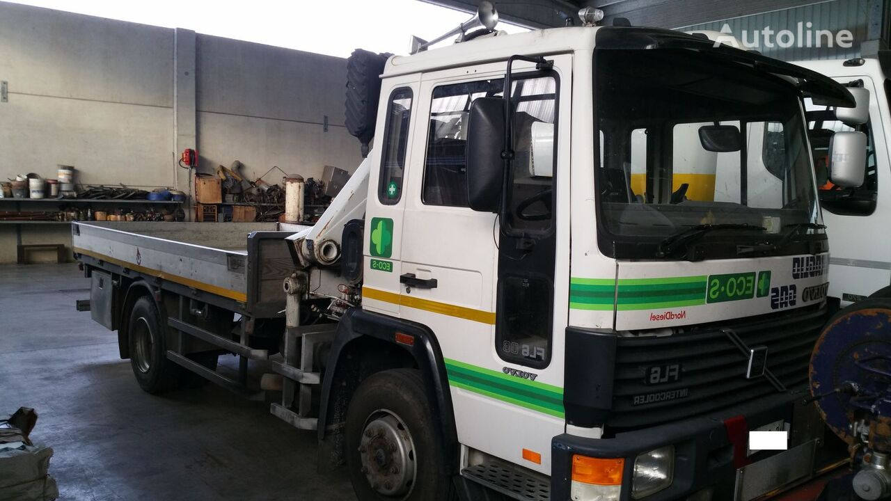 VOLVO FL608 4X2 flatbed truck