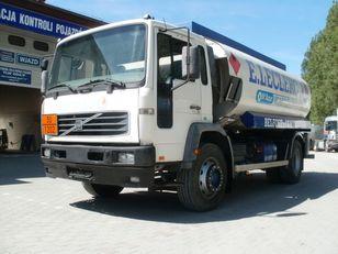 VOLVO FL19 M25 fuel truck