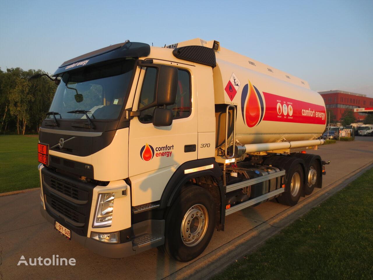 VOLVO FM fuel truck