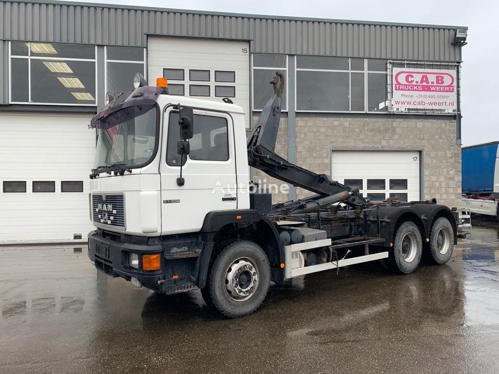 MAN 27.332 - 6x4 hook lift truck