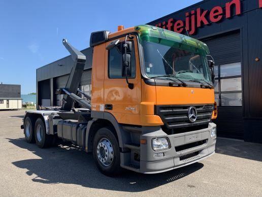MERCEDES-BENZ ACTROS 2536 6X2 - 15 TONS CONTAINER HOOKSYSTEM hook lift truck