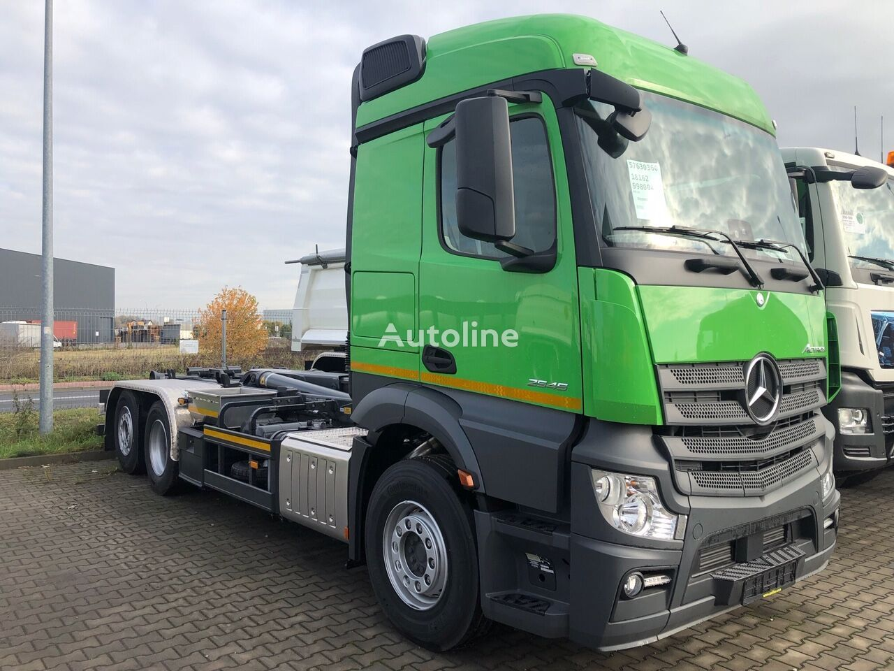 new MERCEDES-BENZ Actros 2545L 6X2 hook lift truck