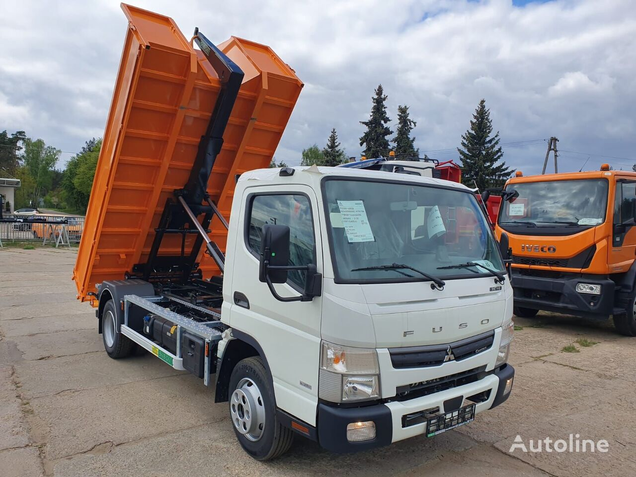 new Mitsubishi Fuso 7c18 hook lift truck