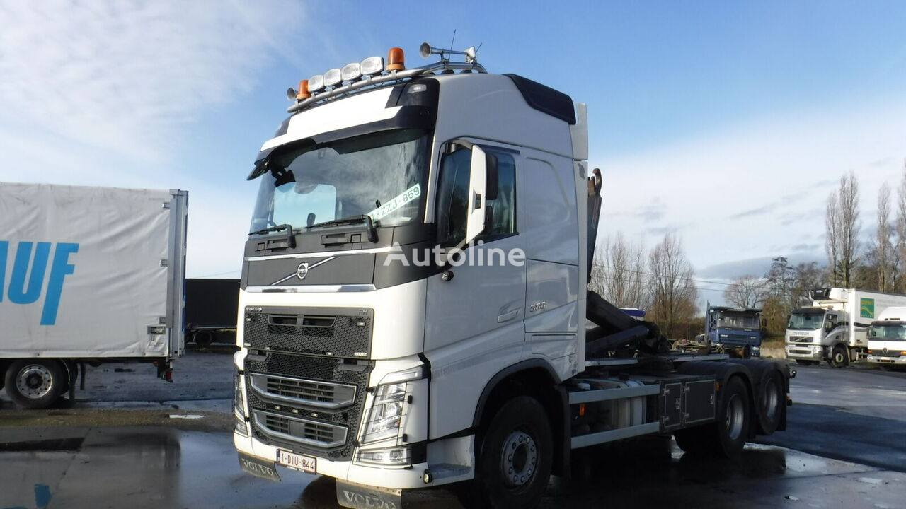 VOLVO FH 500 6x2 Globetrotter Containersystem hook lift truck