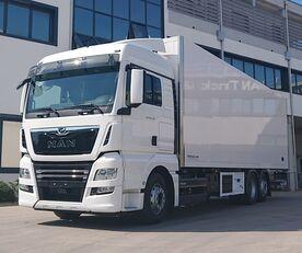 new MAN TGX 26.470 6X2-4 LL isothermal truck
