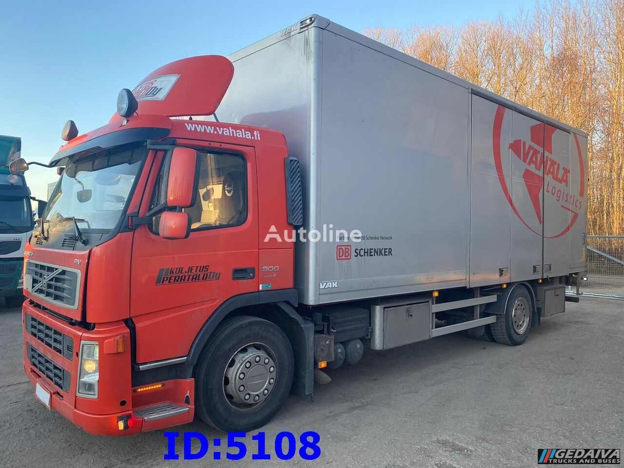 VOLVO FM9 - 4x2  isothermal truck