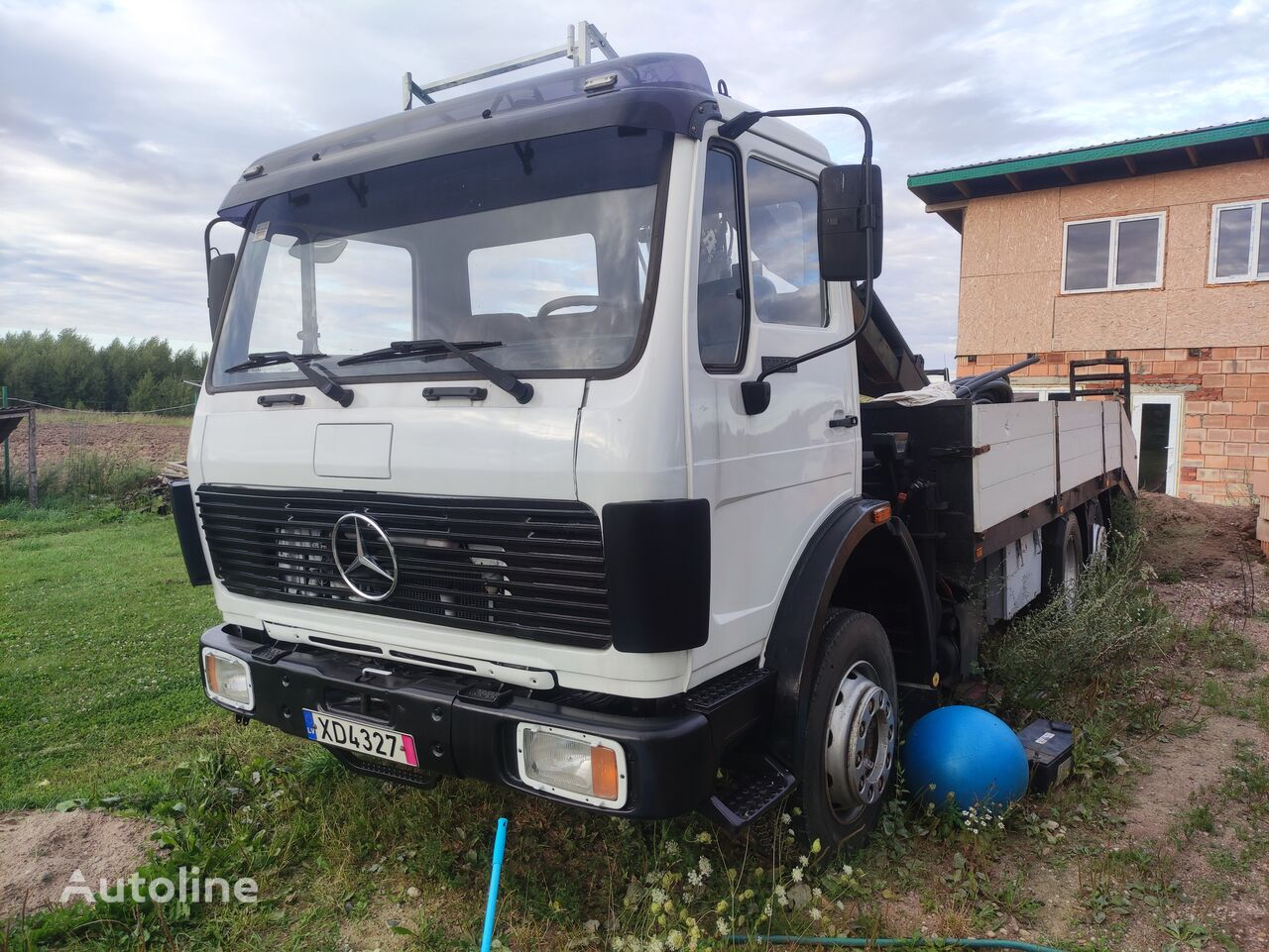 MERCEDES-BENZ 2222 + HIAB 850 crane platform truck