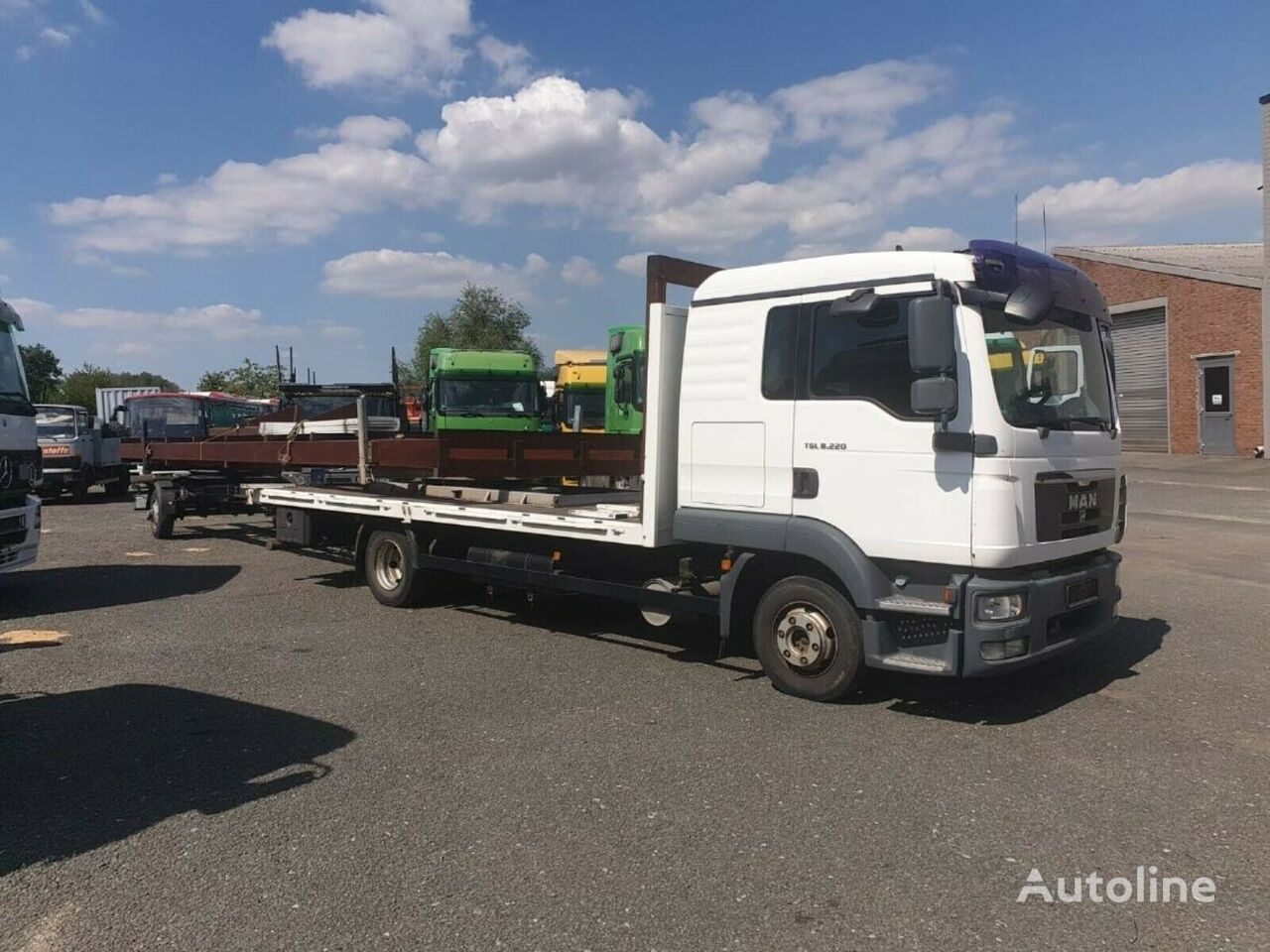MAN TGL 12.220 platform truck