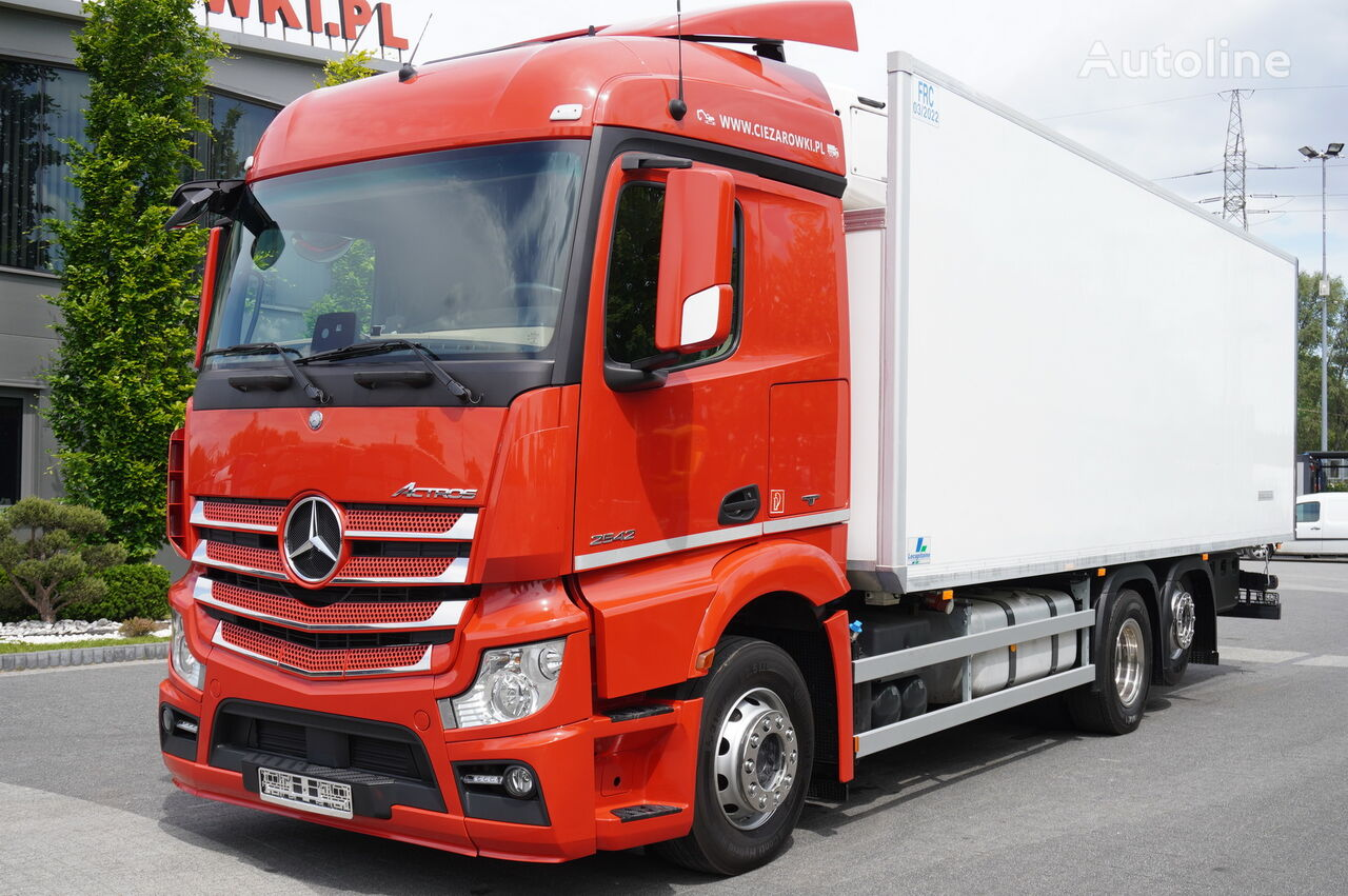 MERCEDES-BENZ Actros 2542 , E6 , 6x2 , 19 EPAL , lift axle , StreamSpace  refrigerated truck
