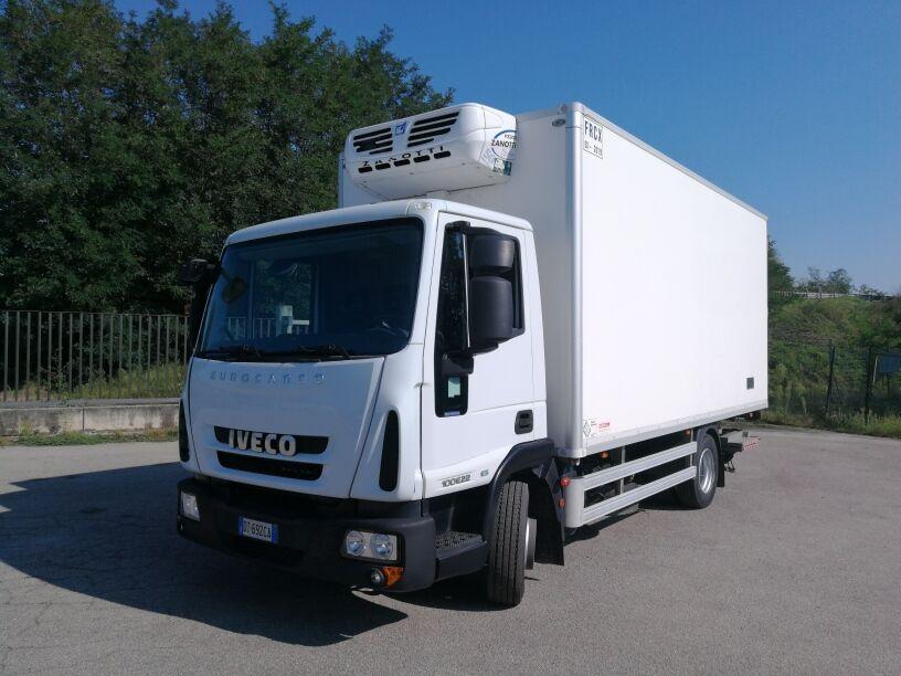 IVECO EUROCARGO 100E22P EURO 5 FRIGO + PEDANA 1.5 TON  refrigerated truck