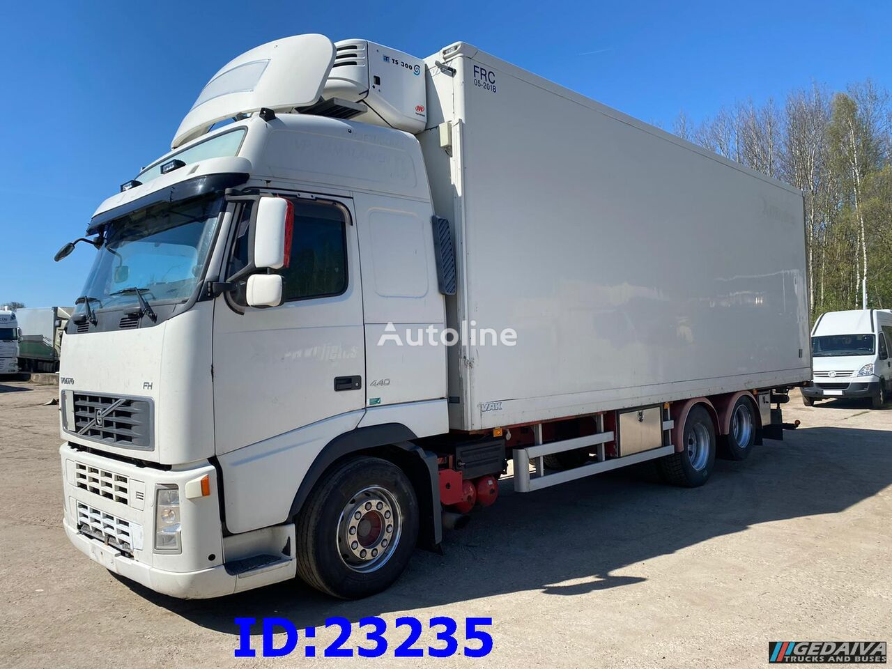 VOLVO FH13 440 6x2 Thermoking refrigerated truck