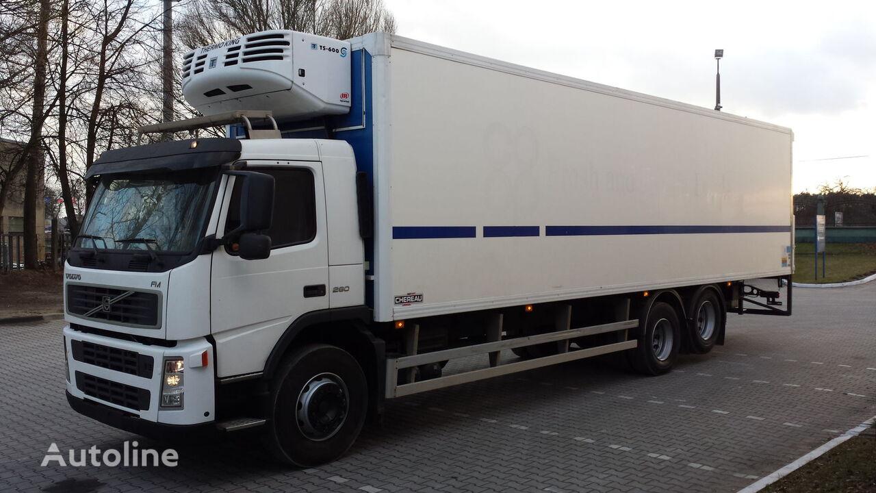 VOLVO FM Chłodnia 24EP + winda 647917km !!! Posiadamy 4szt!!! refrigerated truck