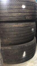 Trazano CR976A truck tire