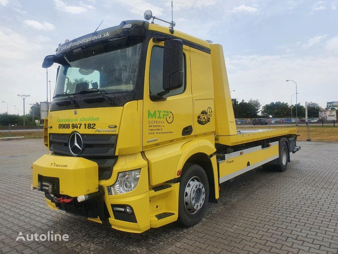 MERCEDES-BENZ tow truck