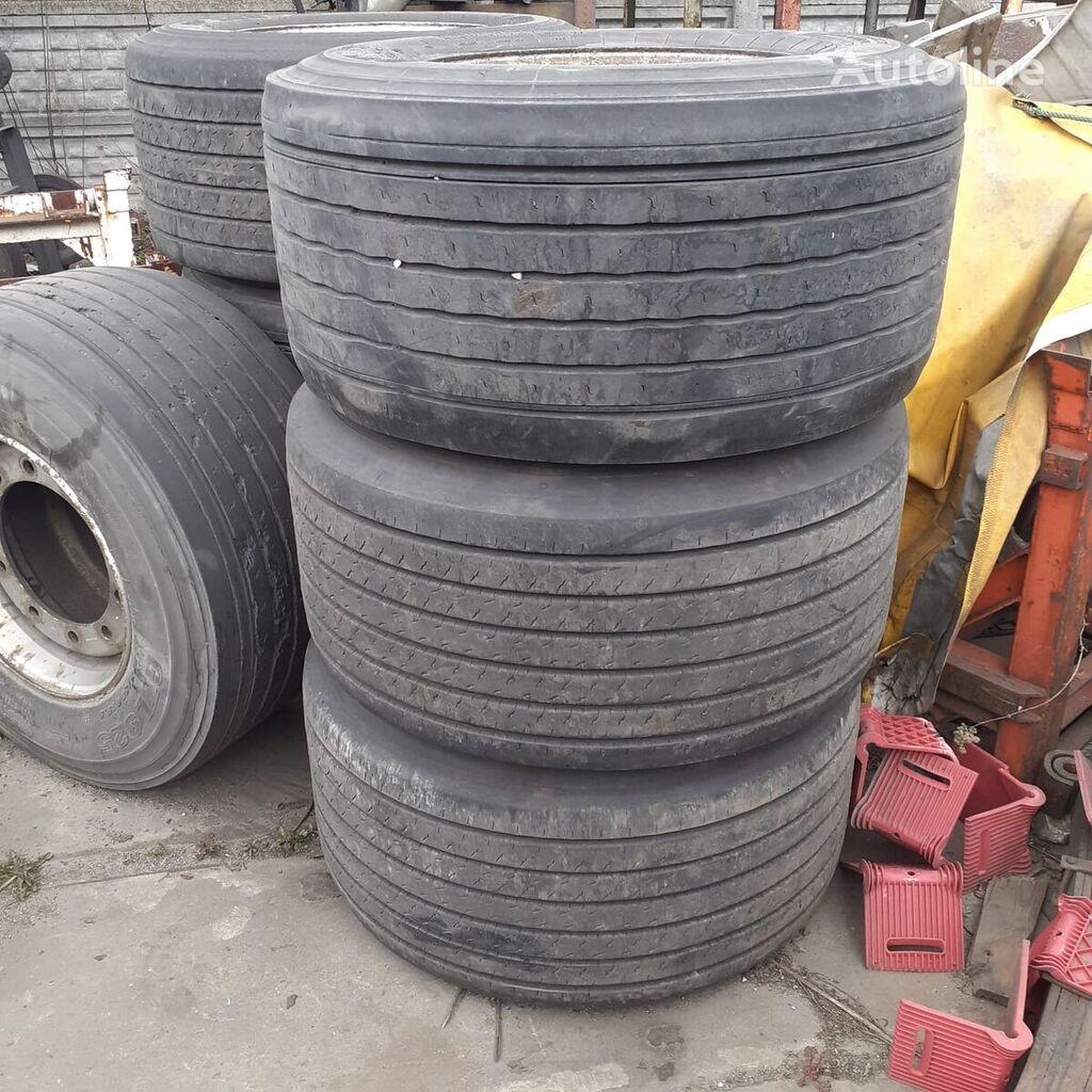 Dunlop 435/50R19.5 SP252 truck tyre