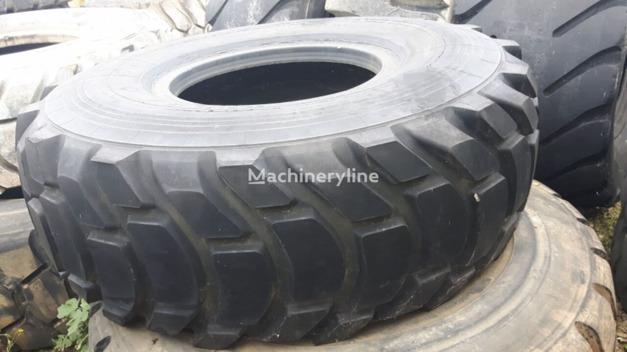 USED XR 29.5-35 tires grader tyre