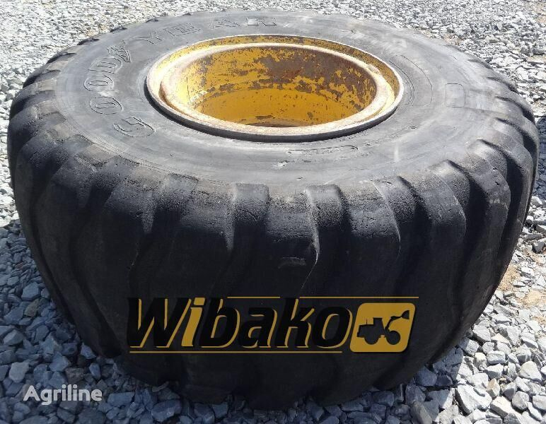 23.5/25 (18/37/27) tractor tire