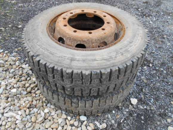Michelin 275/70 R 22.50 tractor tyre