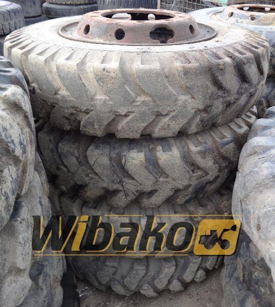 8.25/20 (10/28/0) wheel loader tire