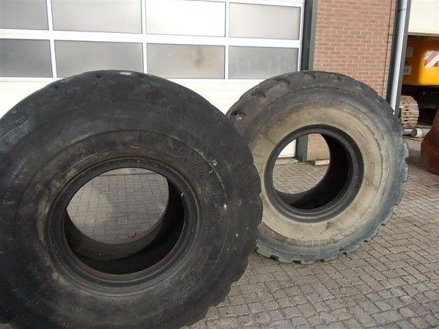 Bridgestone L5 23.50- 25.00 wheel loader tire