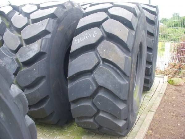 new Michelin runderneuert (7-10) 29.5R25 L5 Felsreifen 250 % wheel loader tire