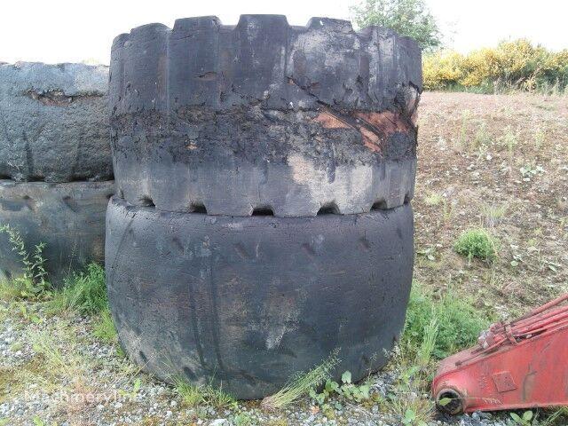 CATERPILLAR 992 C  45/65R45 wheel loader tyre