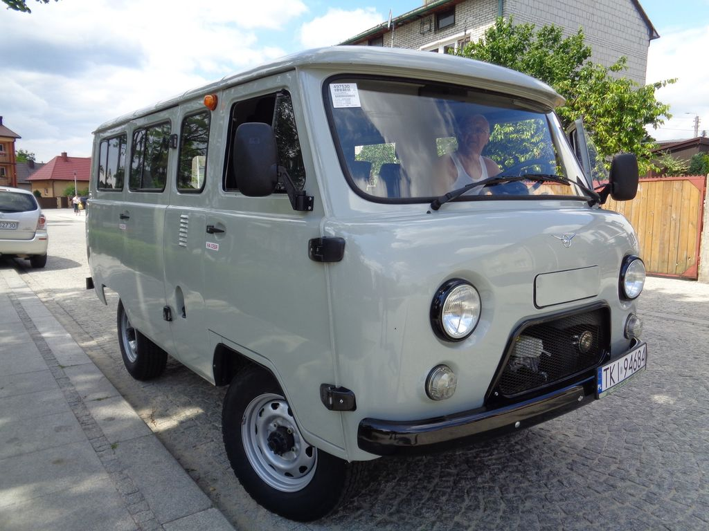 New Uaz 2206 Passenger Van For Sale From Russia Buy